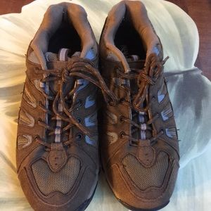 NEVADOS WOMEN HIKING SHOES SIZE 10